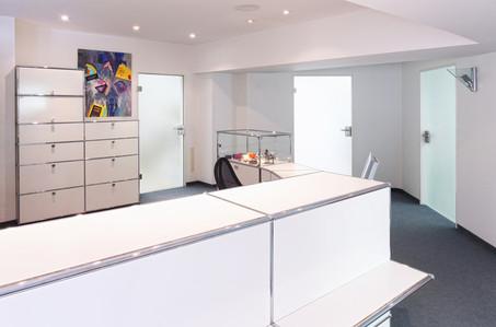Büro und Gebäudereinigung